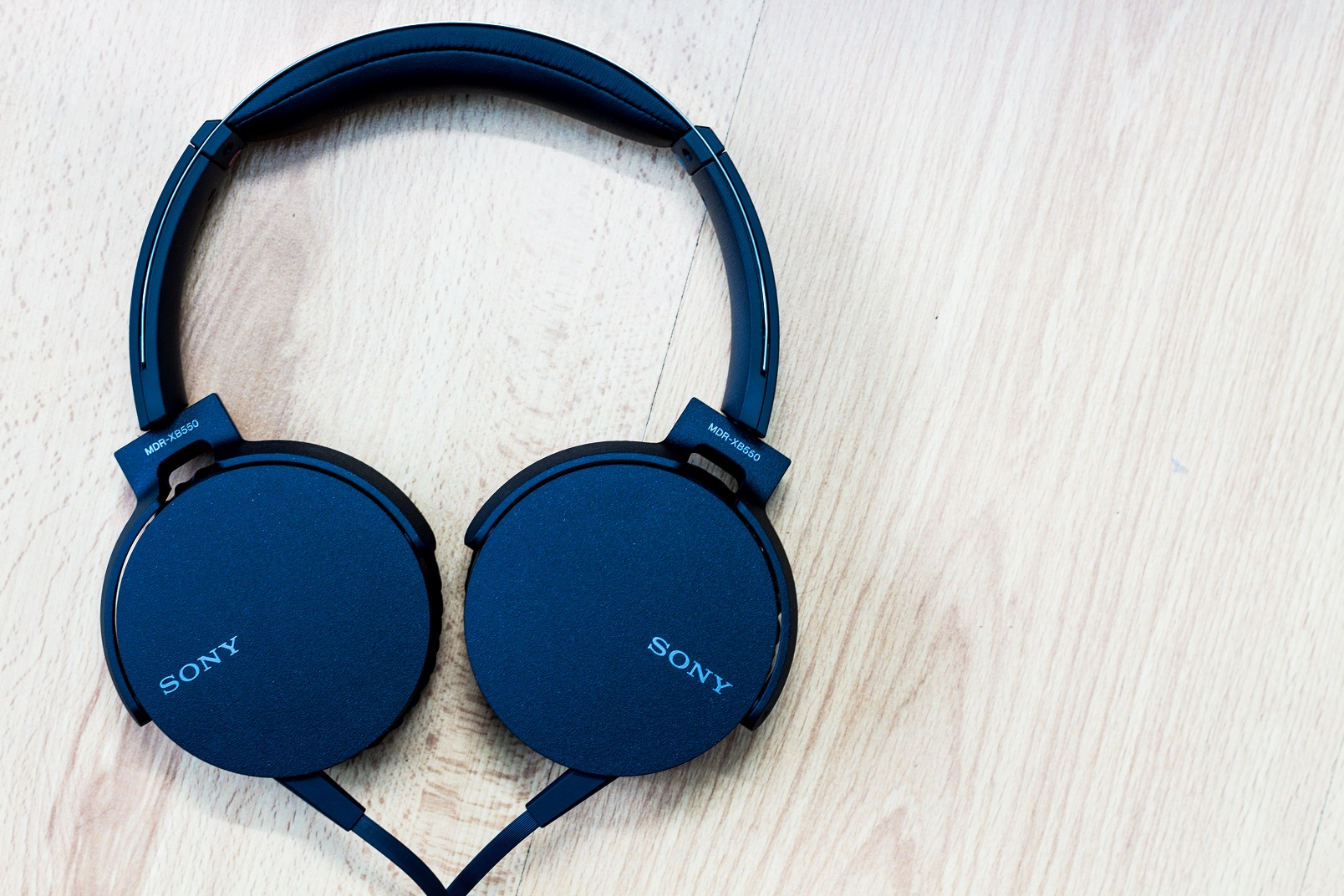 Danh-gia-tai-nghe-sony-mdr-xb550ap-5