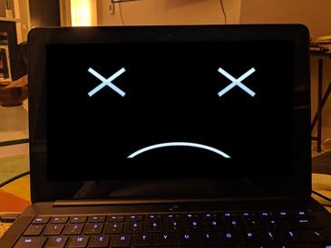 Laptop không lên nguồn, đèn nguồn nhấp nháy là bị gì? 2